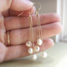 コイン真珠のイヤリング淡水真珠白クリームゴールド イヤリングイヤリングをちらつかせる by KGarnerDesigns