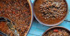 Greek Lentil Soup (Fakes) Lentil Recipes, Soup Recipes, Vegan Recipes, Cooking Recipes, Mediterranean Diet Recipes, Mediterranean Soup, Lentil Soup, Lentil Dishes, Kitchens