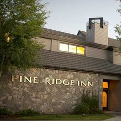 Bend Oregon Hotel Pine Ridge Inn Central Lodging Odysys Customer