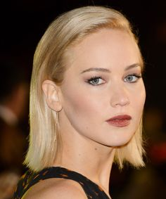 Here's How to Get Jennifer Lawrence's Makeup from the <em>Hunger Games: Mockingjay – Part 2</em> Premiere