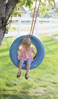 40 Smart Ways to Use Old Tires Diy Tire Swing, Tire Swings, Tire Furniture, Modern Furniture, Furniture Design, Recycled Furniture, Reuse Old Tires, Reuse Recycle, Tire Garden