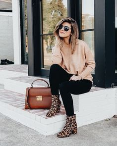 ebb1fe49b53 Blush sweater with black skinny jeans and leopard print boots. Leopard  Shoes Outfit
