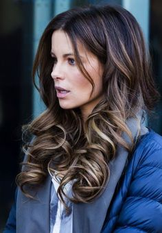Get Kate Beckinsale's big curls either by curling iron or curlers. The latter would be best if you want your curls to stay longer and curlier…