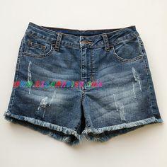 Quần shorts jean Justusa siêu đẹp cho mẹ và bé gái lớn từ 45kg đến 62kg Quần áo bé gái Quần shorts jeans hiệu Justusa, hàng VN xuất xịn. Chất vải jean thun, mỏng, nhẹ, co giãn, rất mềm. Quần lưng cao, tua đùi, wash xước rất mỹ thuật. Nếu bạn đang cần 1 chiếc quần đùi mát mẻ, thoải mái trong mùa hè thì hãy chọn ngay mẫu quá đẹp này. Quần dễ dàng phối với hầu hết các kiểu áo ngắn xinh xắn, vừa thoải mái khi ở nhà, trẻ trung và thanh lịch khi ra phố. Quần có 3 size S, M, L. Size S vừa cho…