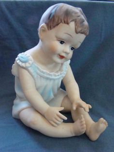 ANTIQUE-VINTAGE-LARGE-9-Bisque-Porcelain-Doll-Shelf-Sitter-Piano-Baby-Doll