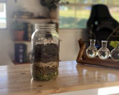 How to make a Tincture and Tea Blend for Insomnia Caused by Chronic Pain - Herbal Emily Herbs For Sleep, Insomnia Causes, Tea Blends, Fresh Herbs, Chronic Pain, Herbalism, Mason Jars, How To Make, Herbal Medicine