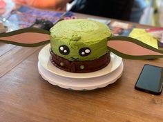 Grogu cake