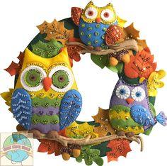 Plaid Bucilla Felt Applique Wall Hanging Kit 17 X 17 Inches, Owl Wreath Felt Embroidery, Felt Applique, Owl Crafts, Wreath Crafts, Fabric Crafts, Sewing Crafts, Applique Wall Hanging, Owl Wreaths, Felt Wreath