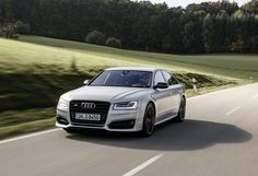 The #2016_Audi_S8_Plus will be available for #US_customers next month. Find more #automotive_news and #cars_for_sale on www.repokar.com.