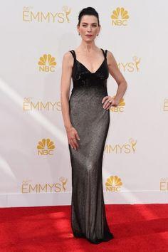 Emmy Awards 2014: Julianna Marguliesfoi com um Narciso Rodriguez preto, mas cheio de brilho