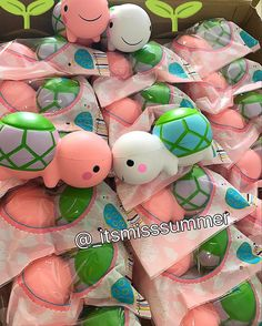 I WANT THE PINK ONE!!