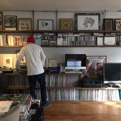 Wall of vinyl Home Music Rooms, Music Studio Room, Vinyl Music, Vinyl Records, Turntable Setup, Popeye Magazine, Vynil, Music Corner, Vinyl Room
