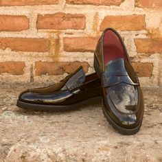 Materials: Black Patent Leather Lining: red calf leather Sole: commando sole Blake Stitched Construction Made in Spain