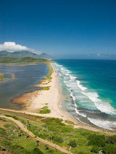 Playa de Las Salinas, tomada desde Pampatar, Isla der Margarita, Venezuela