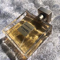 #laureentara chanel chanel perfume details aesthetic beige aesthetic Paris Perfume, Chanel Perfume, Chanel Chanel, Chanel Paris, Chanel Couture, Beige Aesthetic, Aesthetic Colors, Perfume Bottles, Summer Outfits