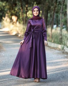 💜 Elbisemizin fiyatı 375 tl dir kargo bize aittir. Mavi,mürdüm,yeşil renk seçenekleridir. Detaylı bilgi ve sipariş için 0532 202 1775