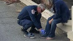 Firefighter Gives His Shoes to Barefoot Homeless Man