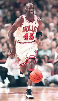Mike Jordan Michael 12 Jeffrey Sports Figures Nba Basketball Sport Shoes Air Jordans Chicago Bulls