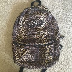 7bd8f79476b vans backpack leopard sale   OFF43% Discounts