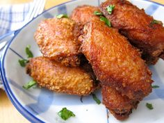 Addictive Thai fried chicken, Peek Gai Todd recipe -- gotta try it. sounds so interesting. Eat Thai, Laos Food, Asian Recipes, Ethnic Recipes, Laos Recipes, Snacks Recipes, Fried Chicken Recipes, Chicken Snacks, Thai Dishes