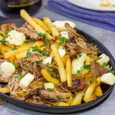 Poutine Recipe, Fries Recipe, Smoked Pulled Pork, Pulled Pork Recipes, Pork Gravy, Cheese Curds, Potato Sides, Shredded Pork, Dinner Tonight