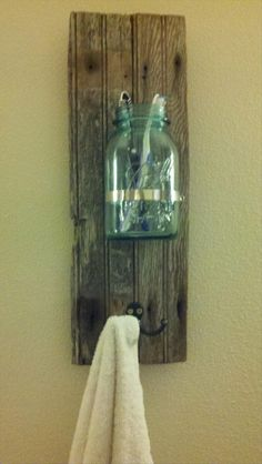 This actually a pretty good list of ways to repurpose that are not lame.   Amazingly Crafty Uses For Your Old Junk (20 Pics)