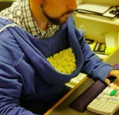For lazy people only! Funny Photo of the day for Saturday, 02 February 2013 from site Jokes of The Day - Perfect popcorn holder Funny Quotes, Funny Memes, Jokes, It's Funny, That's Hilarious, Funniest Memes, Sarcastic Quotes, Life Quotes, Popcorn Wie Im Kino