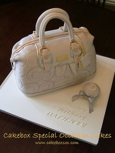 Purse Cake by cakeboxsoc, via Flickr