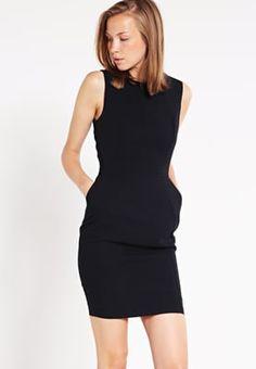 Setze deine Kurven in Szene. New Look PENNY - Etuikleid - black für 24,95 € (26.07.16) versandkostenfrei bei Zalando bestellen.