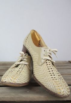 Vintage-1960s-Cream-Leather-Woven-Lace-up-Shoes-Original-vintage-brogues-6-5