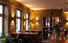 Bar mit Naturstein Lajas