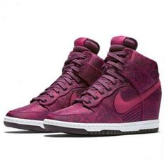 promo code ec2d6 34939 Nike Women s Dunk Sky Hi Print Lifestyle Shoes (Fuchsia Mulberry)