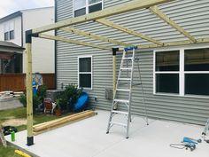How to Build a Modern Pergola with TOJA GRID You will find little time just Aluminum Pergola, Cedar Pergola, Pergola With Roof, Pergola Shade, Pergola Patio, Pergola Plans, Pergola Kits, Backyard Shade, Retractable Pergola