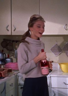 """gabbigolightly: """"Audrey Hepburn in Breakfast at Tiffany's, 1961 """" Audrey Hepburn Breakfast At Tiffanys, Audrey Hepburn Style, Cherry Wine, Holly Golightly, Expensive Clothes, Minimal Classic, Classic Style, Girly Things, Vintage Ladies"""