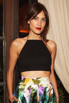 ALEXA CHUNG | CROP-TOP + FLORAL SKIRT. style icon. fashion icon. it girl. hipster.