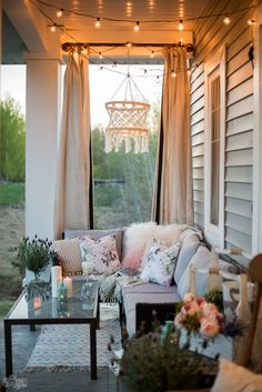 How to Hygge in Summer - Cozy Porch Decor Ideas Hygge Spring & Summer Cozy Outdoor Porch Decor Decor, Small Porches, Summer Porch Decor, Porch Furniture, Cozy House, Deck Decorating, Porch Curtains, Patio Decor, Indoor Porch