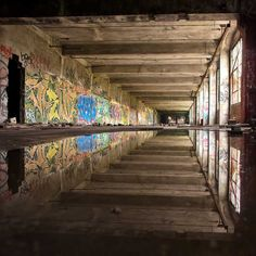 Urbex – The Art of Urban Exploration ~ Kuriositas Worldwide Photography, Beautiful Ruins, Reflection Photography, Street Photography, Art Photography, Digital Photography School, Simple Photo, Abandoned Places, Abandoned Buildings