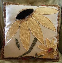 Applique Pillows, Pillow Fabric, Sewing Pillows, Quilted Pillow, Diy Pillows, Decorative Pillows, Throw Pillows, Scrap Fabric Projects, Diy Sewing Projects