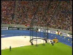 Usain Bolt 200m world record 1919!!! + Michael Johnsons reaction