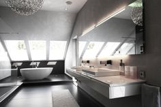 badezimmer dachschräge badspiegel integrierter beleuchttung