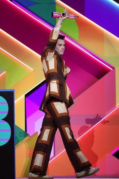 Harry Styles Update, Harry Styles Fotos, Harry Styles Cute, Harry Styles Pictures, Harry Edward Styles, One Direction Harry, One Direction Pictures, Harry Styles Wallpaper, Mr Style