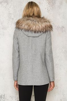Köp Willow Coat - Grey hos Dennis Maglic