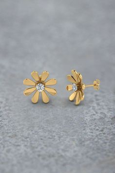 Daisy Flower Stud Earrings For Women With Diamonds In 14k Yellow Gold Exclusively Styled By Fascinating