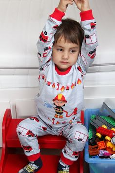 My son is creazy to firefighters so I have made him a pyjamas with this motive. You can buy the sewing pattern here on my Etsy shop