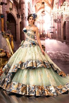 Every one of her dresses are spectacular Fabulous Dresses, Elegant Dresses, Pretty Dresses, Beautiful Costumes, Beautiful Gowns, Fantasy Gowns, Fairytale Dress, Prom Dresses, Wedding Dresses