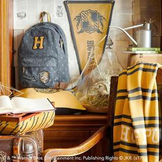 When there are dragons, giants and DURSLEYS™ to be dealt with, who wouldn't want to go on an adventure? Our Hufflepuff™ Backpack lets you pack your things and head to Hogwarts with other witches and wizards alike. Deco Harry Potter, Harry Potter Bedroom, Harry Potter Houses, Harry Potter Books, Hogwarts Houses, Harry Potter Hogwarts, Harry Potter World, Hufflepuff Common Room, Hufflepuff Pride