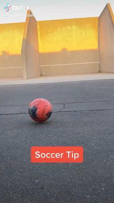 Soccer Player Workout, Soccer Goalie, Soccer Memes, Soccer Tips, Football Soccer, Soccer Videos, Soccer Stuff, Soccer Quotes, Soccer Footwork Drills
