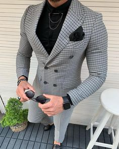275 Likes, 14 Comments - 𝐄𝐗𝐄𝐂𝐔𝐓𝐈𝐕𝐄 𝐌𝐀𝐍 Blazer Outfits Men, Mens Fashion Blazer, Mens Fashion Wear, Suit Fashion, Mens Casual Suits, Classy Suits, Stylish Mens Outfits, Mens Suits, Mens Fashion Winter Coats