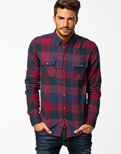 Amazing 51 Fashionable Flannel For Men Style Ideas from https://www.fashionetter.com/2017/06/18/51-fashionable-flannel-men-style-ideas/