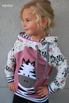 Kids hoodie sewing, application template Zora Zebra - ALL ABOUT Sewing Projects For Kids, Sewing For Kids, Baby Sewing, Zebra Kids, Fabric Purses, Sewing Patterns Free, Diy Clothes, Clothes Sale, Baby Dress